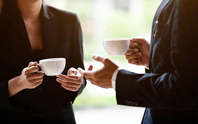 Sestanek ob kavi